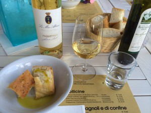 image-white-wine-with-first-course-italy