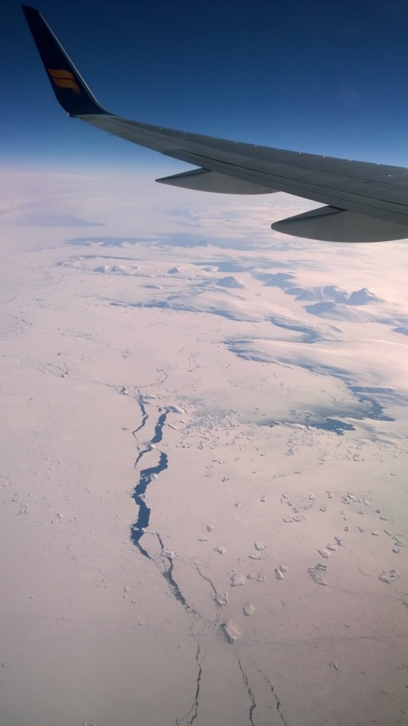 image-airplane-wing-view-of-sea-ice-iceland