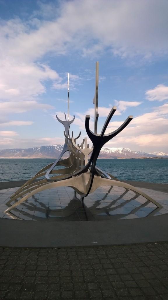 image-sun-voyager-sculpture-reykjavik-iceland